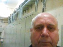 Вакансии дежурного электрика в москве сутки трое