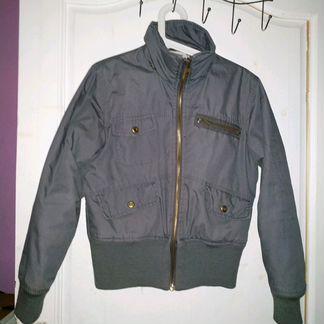 Куртка серая состояние новой