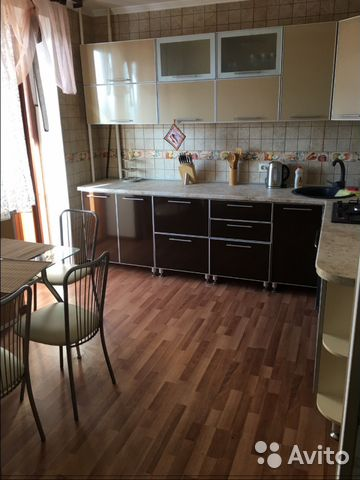 Продается трехкомнатная квартира за 4 500 000 рублей. Курск, проспект Победы, 18.