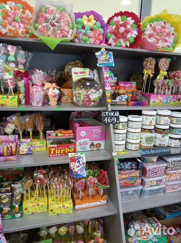 Торговая точка по продаже сладостей