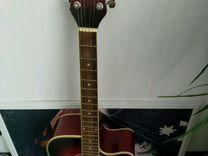 Шестиструнная гитара, отличный вариант за свои ден