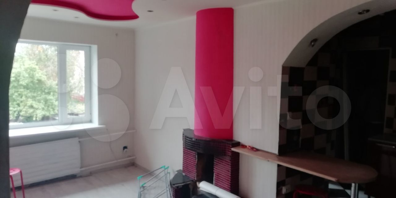 2-room apartment, 37 m2, 2/2 floor.  89113637653 buy 2